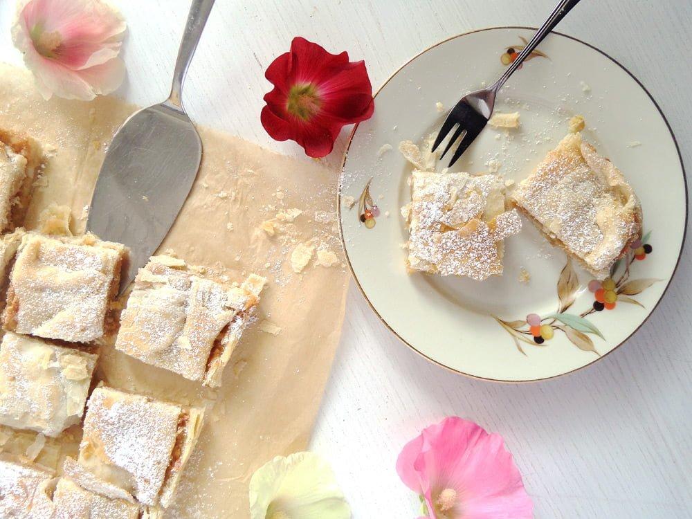 apple cake puff Flaky Apple Hazelnut Pie with Cinnamon