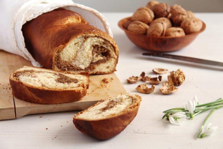 sweet bread romanian 768x512 Romanian Sweet Bread with Walnuts – Cozonac Recipe