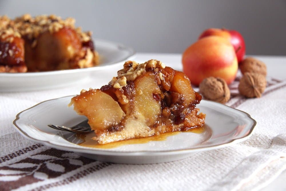 apple caramel cake walnuts Apple Caramel Cake   Upside Down Apple Cake