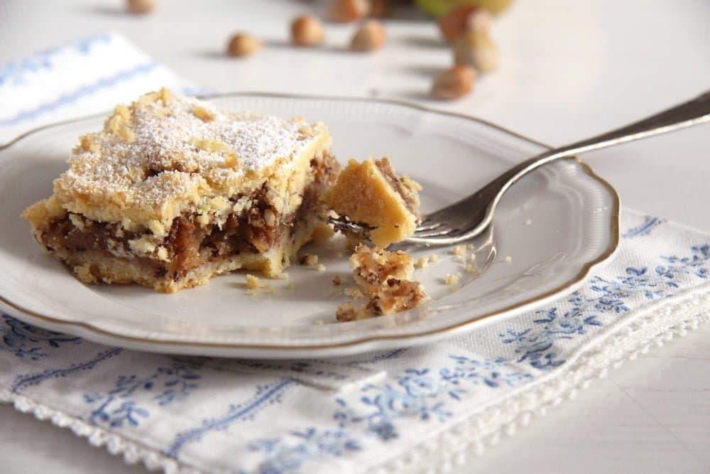 apple hazelnut cake Moist Apple and Cinnamon Cake (Tray Bake)